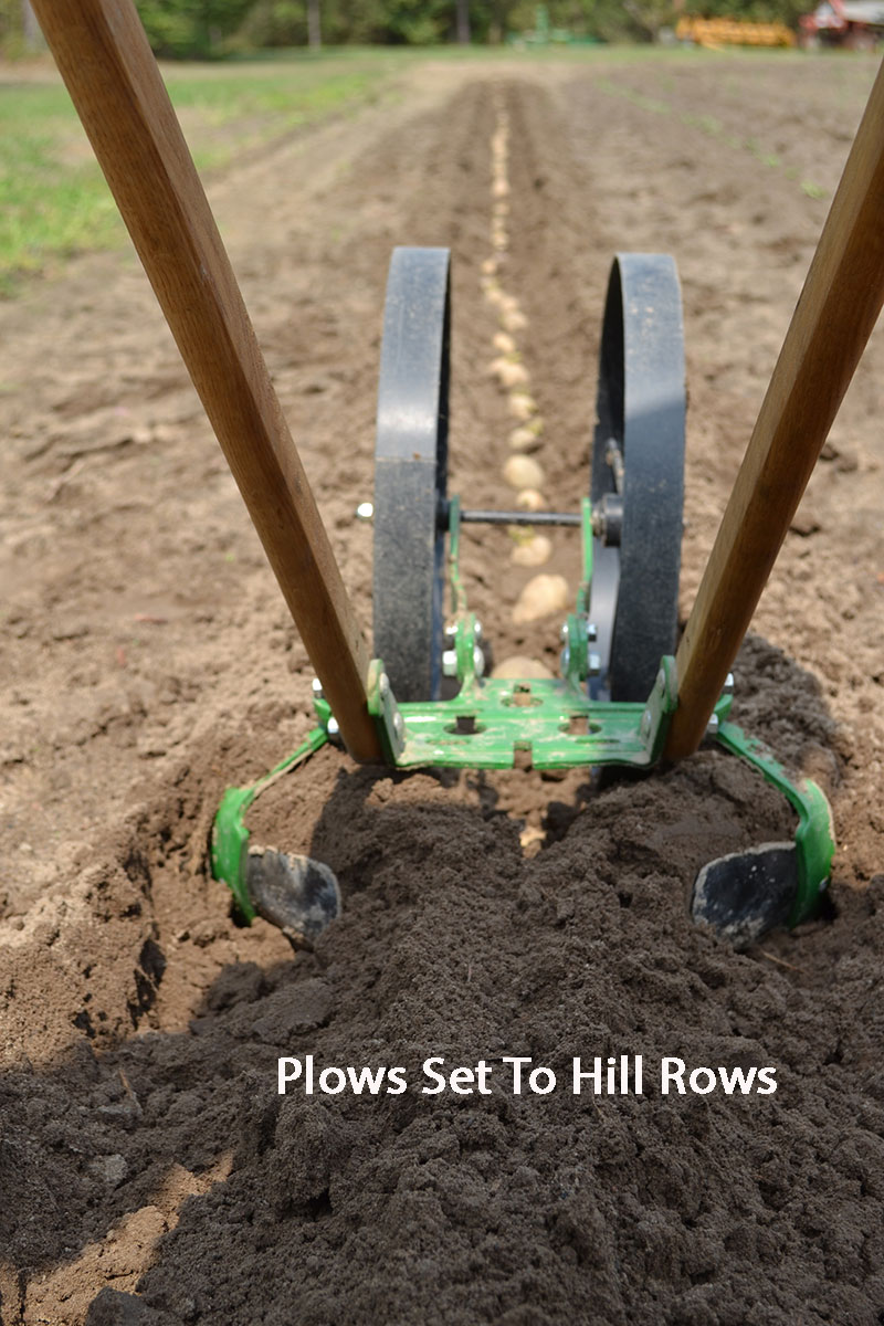 Cultivator own hands: how to do